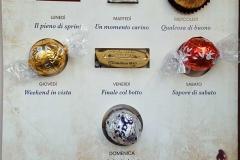 Strenna 2018 - Particolare dei cioccolatini e relativi testi
